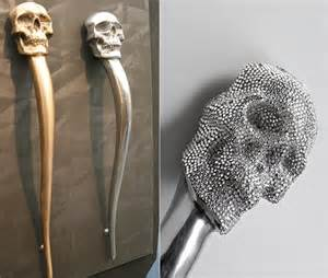 "SKULL 34"" LONG FEATURE HANDLE"